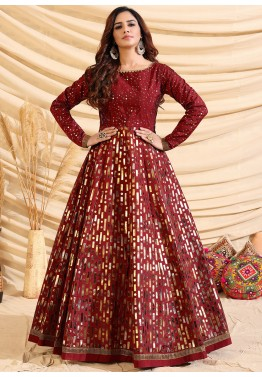 Tips to Choose a New Fashion Dress With Silk Material